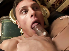 Brunette chachita Carolina Mancini loves giving mouthjob