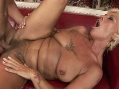 Fuck loving matured spreads her snatch wide enjoying a young lover's meatpole
