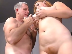 Sierra Skye likes to swallow her teachers yummy dagger, because she wants good marks at the end of the year. Mr. Crew doesnt mind at all, he cant lose this rare chance. Enjoy