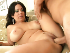 Manuel Ferrara uses his sturdy snake to make blowjob junkie Sienna West happy