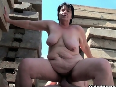 BBW granny works grandpa's small cock