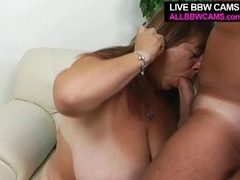 Mature bbw enjoys tit shafting and opens greasy cunt for pounding