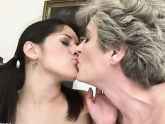 Teen with giant jugs and Aliz both have great lesbian experience