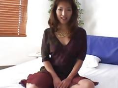 Bedroom porn with mature Kyoko