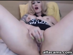 Busty tattoed blonde on livecam