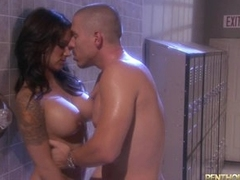 Sexy shower fuck with hot babe in arms Nadia Styles