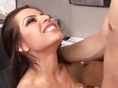 Horny secretary Yurizan Beltran blowing the boss