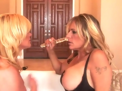 Ginger Lynn and Debi Diamond do Filthy Dyke love